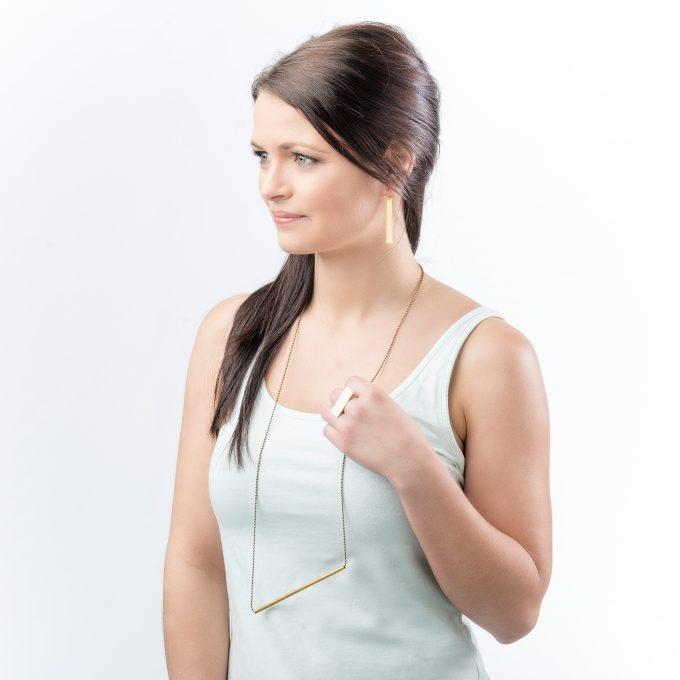 Basic tube necklace
